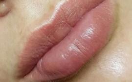 Татуаж губ «Акварельная» техника